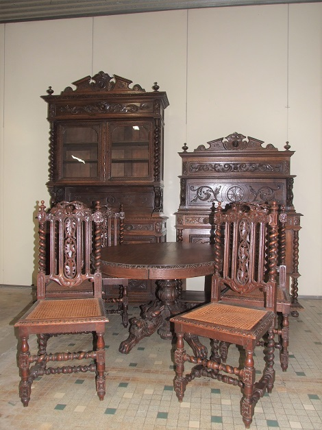 Furniture, More in Ponder's March 8 Auction